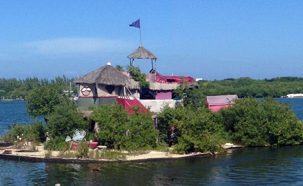 ujrahasznos-hazak-spiral-island1